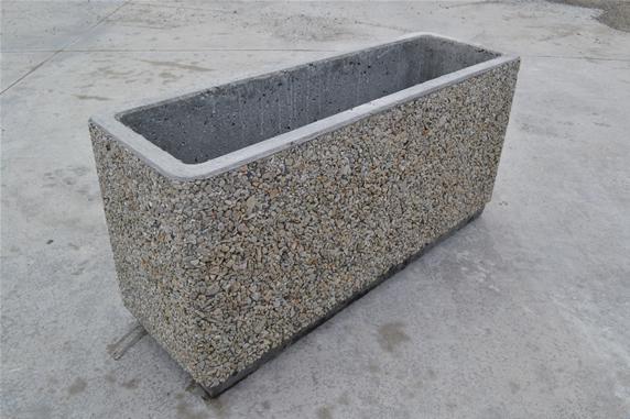Listino prezzi fioriere in cemento terminali antivento for Fioriere leroy merlin